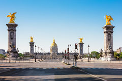 Pont Alexandre III Bridżowy & hotel des Invalides, Paryż, Francja Zdjęcie Stock