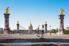 Pont Alexandre III Brug & Hotel des Invalides, Parijs, Frankrijk stock foto
