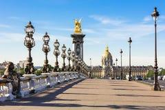 Pont Alexandre III Brug & Hotel des Invalides, Parijs, Frankrijk royalty-vrije stock foto