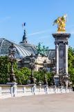 Pont Alexandre III brugdetails en Grote Palais Parijs, Fra stock afbeelding