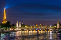 Pont Alexandre III e torre Eiffel, Parigi Fotografia Stock