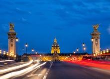 Pont Alexandre iii no crepúsculo Foto de Stock Royalty Free