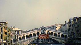 Pont archivistique de Venise Rialto par la mer banque de vidéos