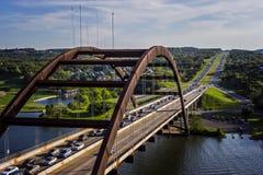 Pont arqué en métal en Austin Texas image libre de droits