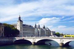 Pont auändring och Conciergerie Arkivfoton