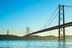 Pont au coucher du soleil, Portugal Images stock