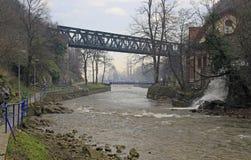 Pont au-dessus de detinja de rivière dans Uzice photo stock