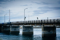 Pont au-dessus de Hampton Harbor Inlet en Hampton Beach, New Hampshire Photo stock