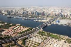 Pont au-dessus de la rivière à Dubaï Photographie stock libre de droits