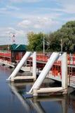 Pont au-dessus de la rivière dans Kolomna, Russie Photos stock