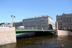 Pont au-dessus de la rivière de Fontanka Photographie stock libre de droits