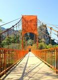 Pont au-dessus de rivière de chanson Images libres de droits