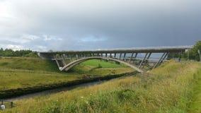 Pont au-dessus de shannon de rivière en Irlande Photos stock