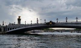 Pont/bro Alesandre III Arkivbild