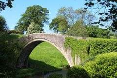 Pont célèbre d'o'Doon de Brig au-dessus de rivière Doon, Alloway Photographie stock libre de droits