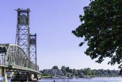 Pont commémoratif au-dessus de rivière de Piscataqua photographie stock