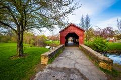 Pont couvert à Baker Park, en Frederick, le Maryland Photographie stock