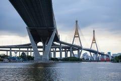 Pont crépusculaire Image libre de droits