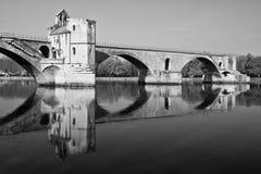 Pont dâAvignon in Schwarzem u. im Weiß Stockbilder