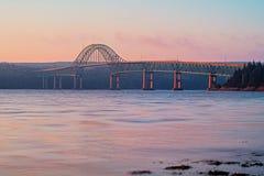 Pont d'île de joint dans le Breton de cap, Nova Scotia image stock