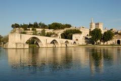 Pont d'Avignon en de rivier van de Rhône Stock Foto