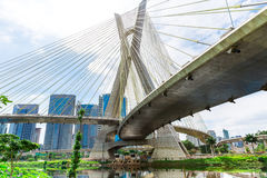 Pont d'Estaiada à Sao Paulo, Brésil Photo stock