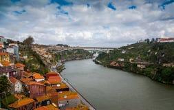 Pont d'Infante Dom Henrique au-dessus de la rivière de Douro à Porto photos stock