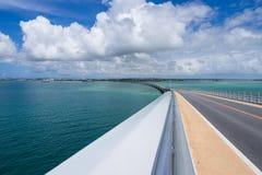 Pont d'Irabu en Miyako Island Photographie stock