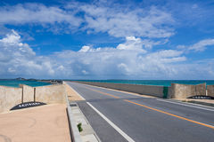 Pont d'Irabu en Miyako Island Image libre de droits