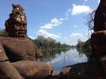 Pont dans Angor Wat, Cambodge Images libres de droits