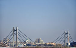 Pont dans la grande ville de Belgrade photos libres de droits