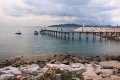 Pont dans la mer Image libre de droits