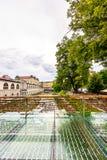 Pont dans la ville de Ljubljana, avec des serrures comme symbole de l'amour Tradition romantique en capitale de la Slovénie images stock