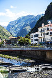 Pont dans la ville de Ribeira Brava dans le nord de l'île de la Madère Photo libre de droits