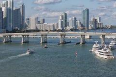 Pont dans le port de Miami Images libres de droits