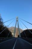 Pont dans les montagnes Photo stock