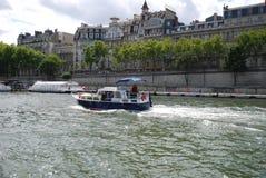 Pont de Ла конкорд, водный путь, транспорт воды, вода, гребля стоковое изображение rf
