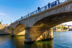 Pont de λ ` Archeveche στο Παρίσι, Γαλλία Στοκ φωτογραφία με δικαίωμα ελεύθερης χρήσης