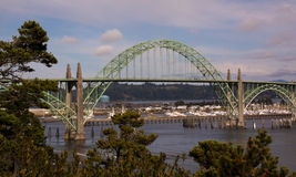 Pont de baie de Yaquina Images libres de droits