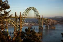 Pont de baie de Yaquina Images stock