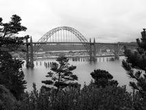 Pont de baie de Yaquina - Newport Orégon Etats-Unis Images libres de droits