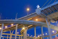 Pont de Bhumibol en Thaïlande image stock