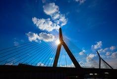 Pont de Boston Zakim en colline de soute le Massachusetts Images stock