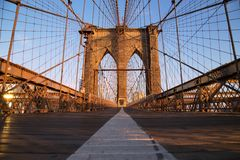 Pont de Brooklyn au lever de soleil, New York City Images stock