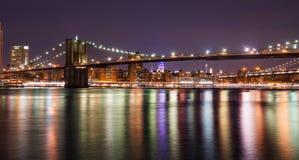 Pont de Brooklyn la nuit, New York City Photos libres de droits