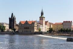 Pont de Charles et rivière de Vltava Prague, République Tchèque Images libres de droits