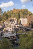 Pont de chemin de fer détruit sur Meherenga dans la région d'Arkhangelsk de la Russie Images libres de droits