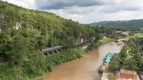 Pont de chemin de fer de la mort au-dessus de la rivière de Kwai NOI Photo libre de droits
