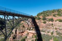 Pont de crique de chêne Photos libres de droits
