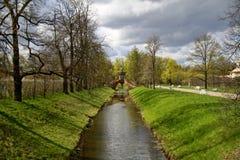 Pont de croisade dans Tsarskoe Selo Image stock